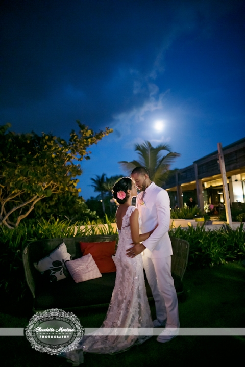 claudette-montero-destination-international-photography-photographer-destination-W-retreat-vieques-island-spa-wedding-photographer-zack-wright-jeniffer-daleccio-caribbean-beach-allure-express-front-luminous-tropical-1217